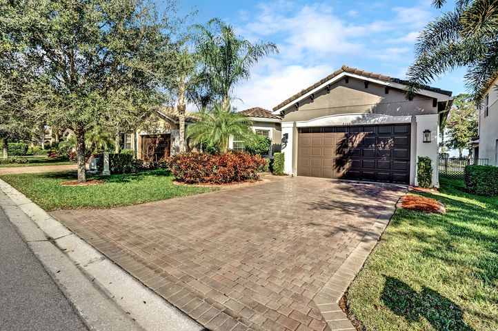 8263 Serena Creek Avenue, Boynton Beach, FL 33473
