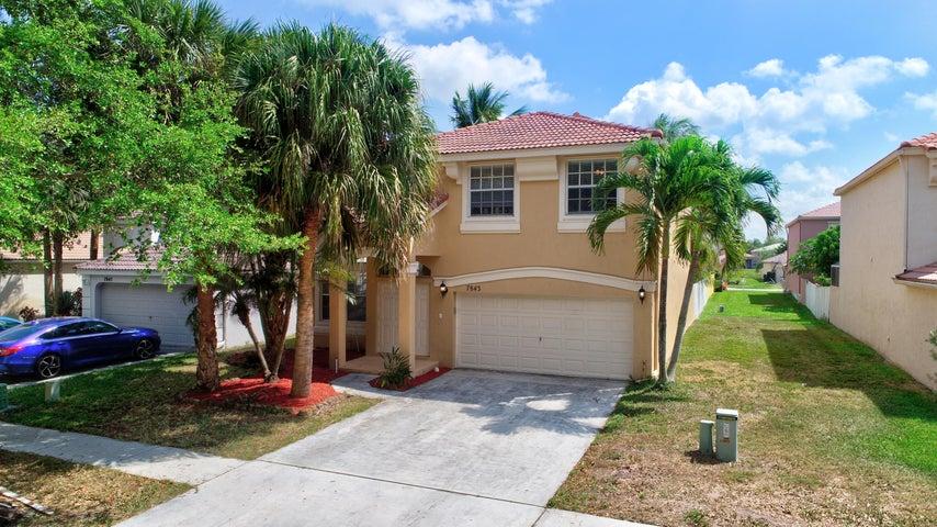 7843 Oak Grove Circle, Lake Worth, FL 33467
