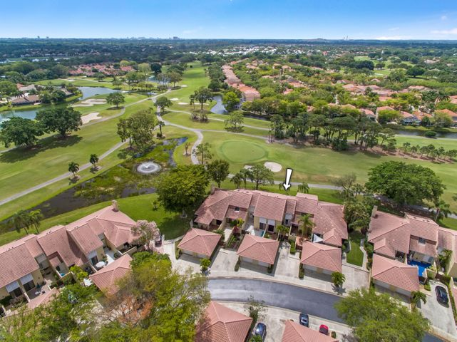 269 Old Meadow Way, Palm Beach Gardens, FL 33418