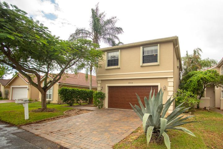 1053 W Fairfax Circle W, Boynton Beach, FL 33436