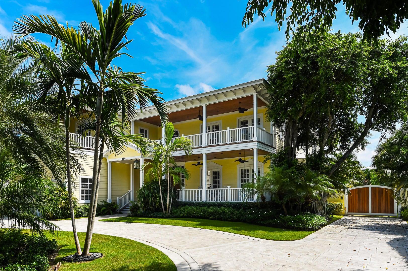 220 Essex Lane, West Palm Beach, FL 33405