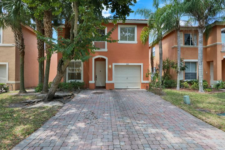 4417 Lake Lucerne Circle, West Palm Beach, FL 33409