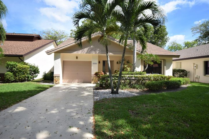 4952 Boxwood Circle, Boynton Beach, FL 33436