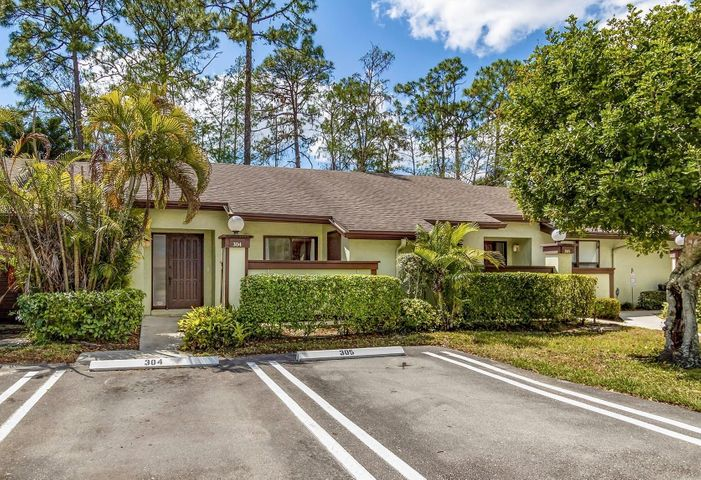 304 Cactus Hill Court, Royal Palm Beach, FL 33411