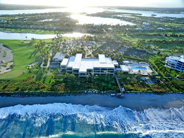 0-Aerial View of Club house