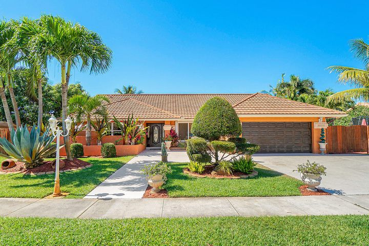 9711 Sun Pointe Drive, Boynton Beach, FL 33437