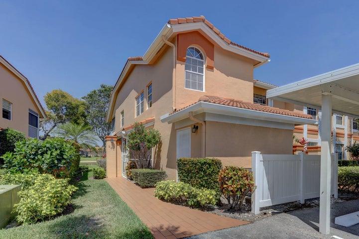 9841 Seacrest Circle 201, Boynton Beach, FL 33437