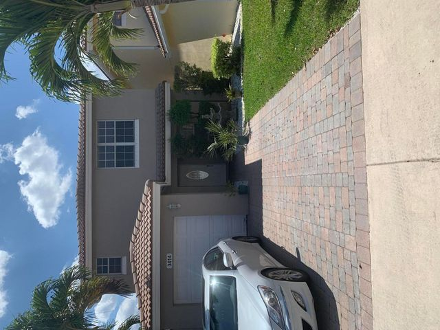 3414 Commodore Court, West Palm Beach, FL 33411