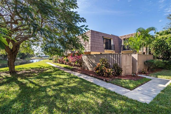 708 7th Court, Palm Beach Gardens, FL 33410