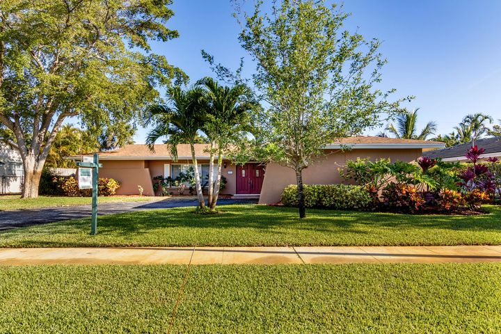 721 Pelican Way, North Palm Beach, FL 33408