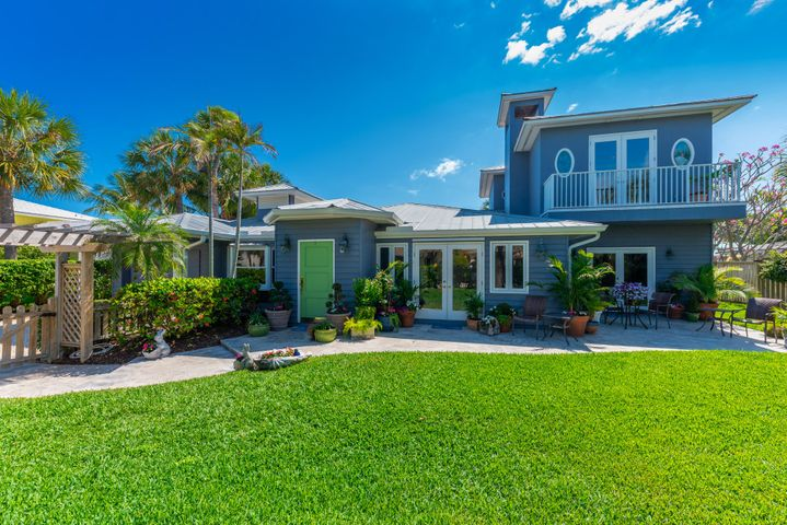 122 Lighthouse Drive, Jupiter Inlet Colony, FL 33469