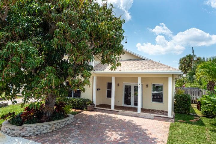 1817 N Lakeside, Lake Worth, FL 33460