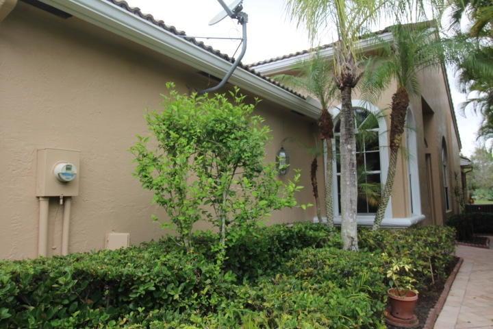 4630 Carlton Golf Drive, Lake Worth, FL 33449