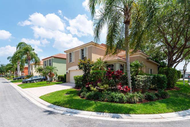 5145 Elpine Way, Riviera Beach, FL 33418