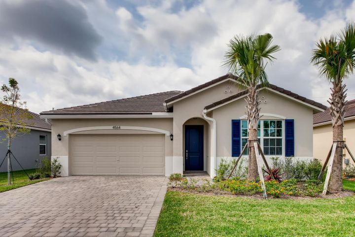 4564 NW King Court, Jensen Beach, FL 34957