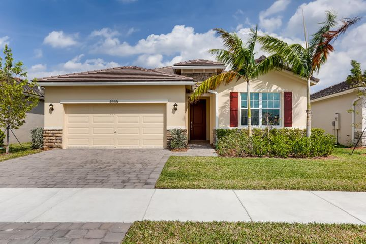 4555 NW King Court, Jensen Beach, FL 34957