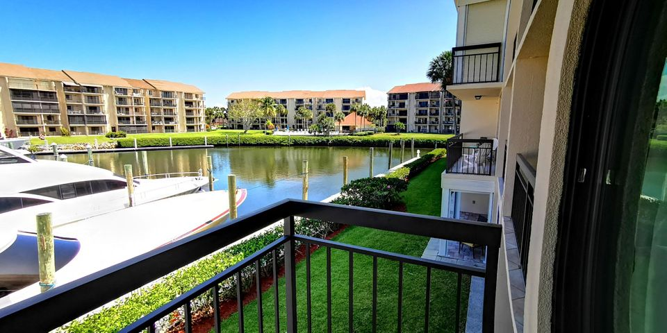 2301 Marina Isle Way 202, Jupiter, FL 33477