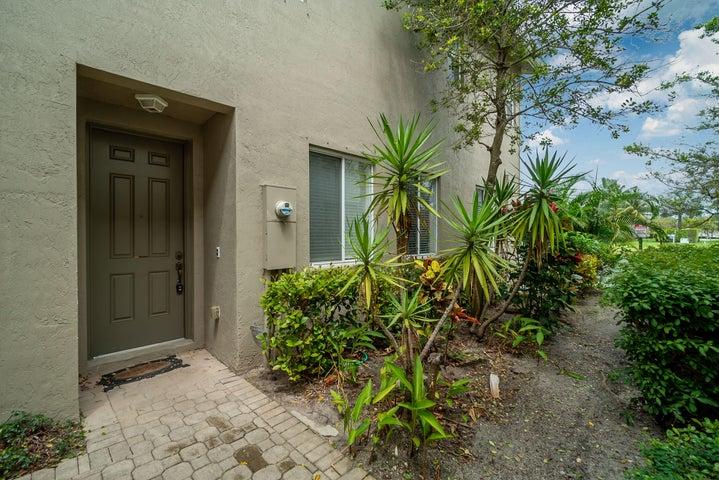 3164 Laurel Ridge Circle, Riviera Beach, FL 33404