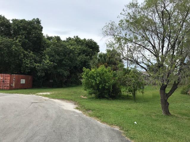 50 W 50th Street, Mangonia Park, FL 33407