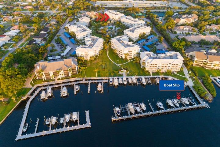 1032 Bay Colony Drive S With Slip/16k Lift, Juno Beach, FL 33408