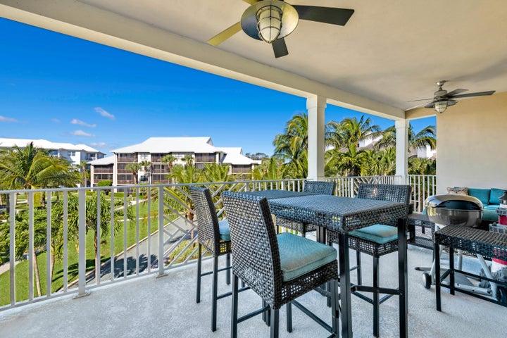 1032 Bay Colony Drive S, Juno Beach, FL 33408