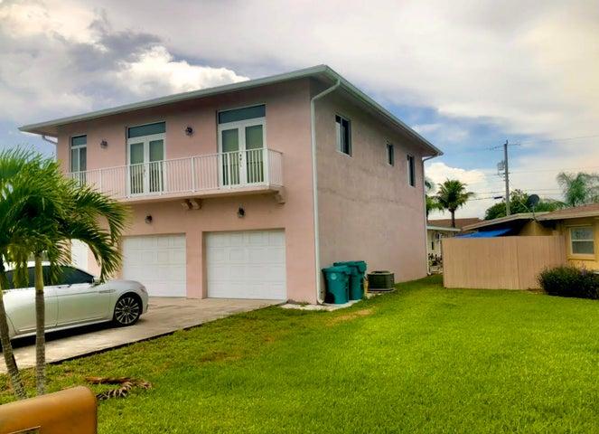 1315 NW 8th 1 Court, Boynton Beach, FL 33426