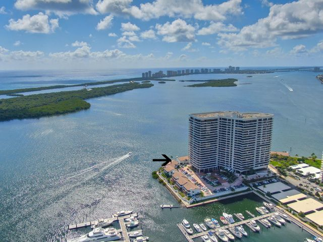 100 Lakeshore Drive L5, North Palm Beach, FL 33408
