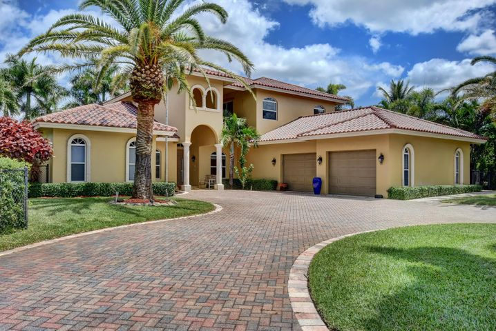 8645 Rodeo Drive, Lake Worth, FL 33467