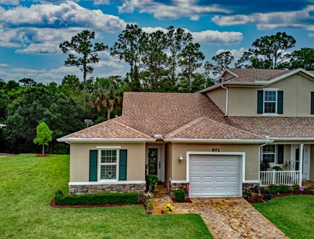 971 NE Trailside Run, Port Saint Lucie, FL 34983