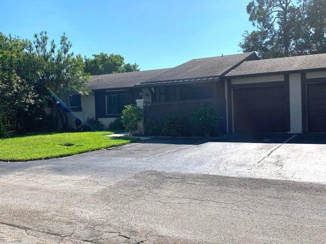 110 Conaskonk Circle, Royal Palm Beach, FL 33411