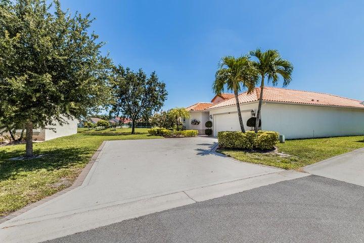 102 Meadowlands Drive, Royal Palm Beach, FL 33411