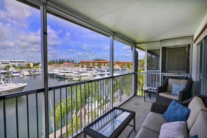 37 Yacht Club Drive 308, North Palm Beach, FL 33408