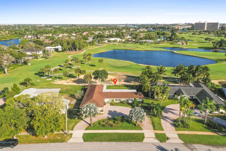 561 Greenway Drive, North Palm Beach, FL 33408