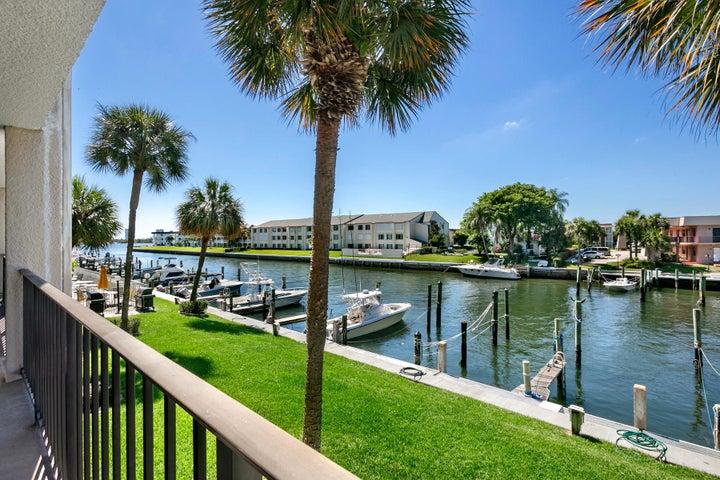 108 Paradise Harbour Boulevard 205, North Palm Beach, FL 33408