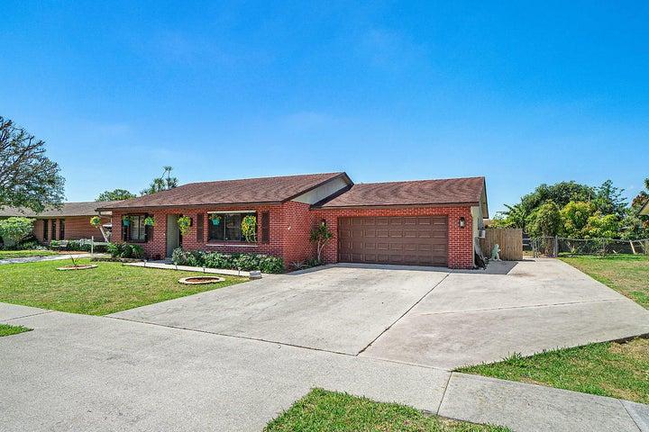 119 Teal Court, Royal Palm Beach, FL 33411