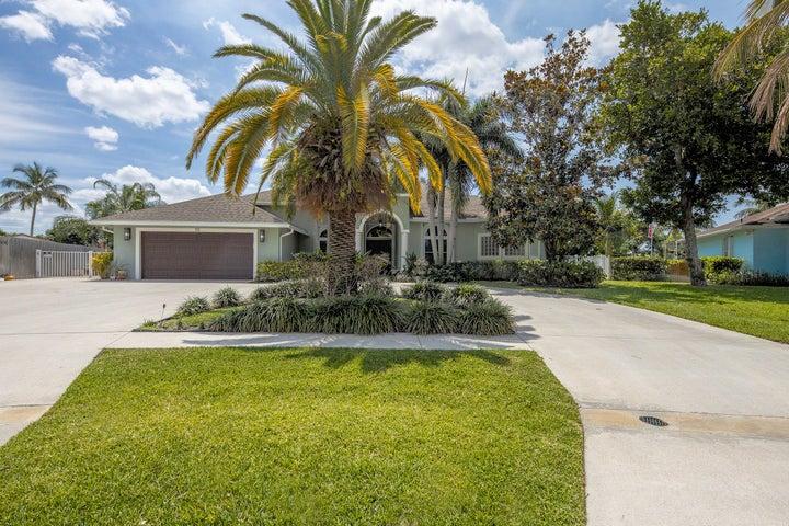 113 Santiago Street, Royal Palm Beach, FL 33411