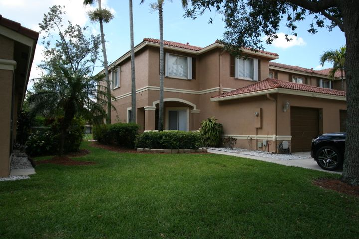7011 Hawks Nest Terrace, Riviera Beach, FL 33407