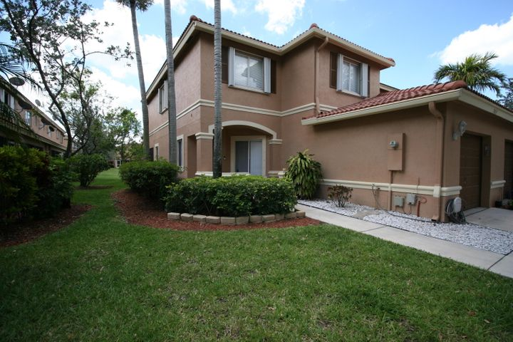 7011 Hawks Nest Terrace, Riviera Beach, FL 33407