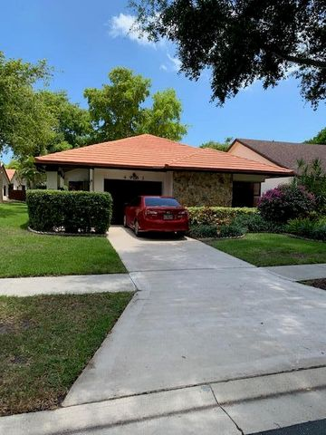 4983 Boxwood Circle, Boynton Beach, FL 33436
