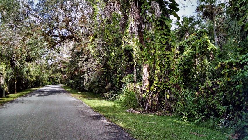 1901 Old River Road, Fort Pierce, FL 34982