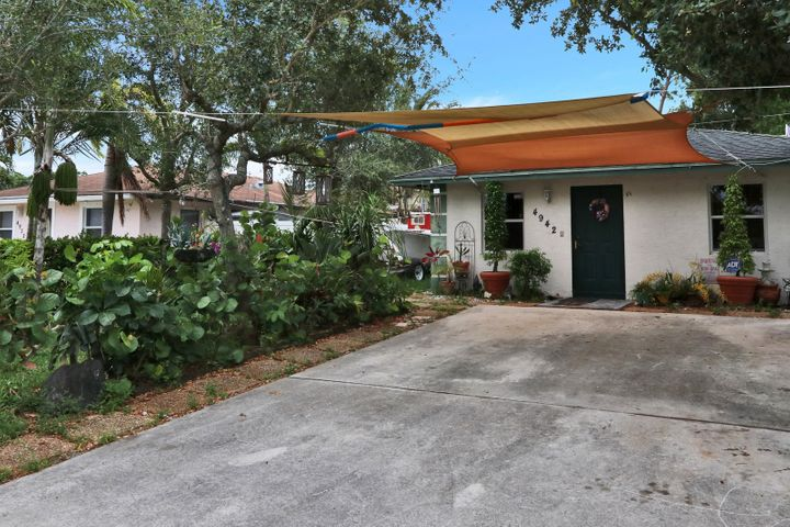 4942 Dillon Street, Greenacres, FL 33463