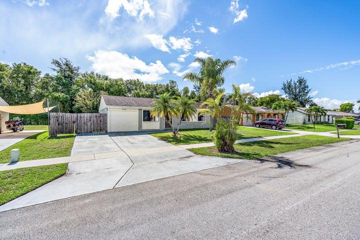 1444 Donwoods Lane, Royal Palm Beach, FL 33411