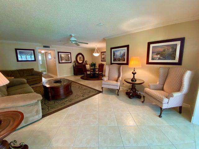 1082 North Drive B, Delray Beach, FL 33445