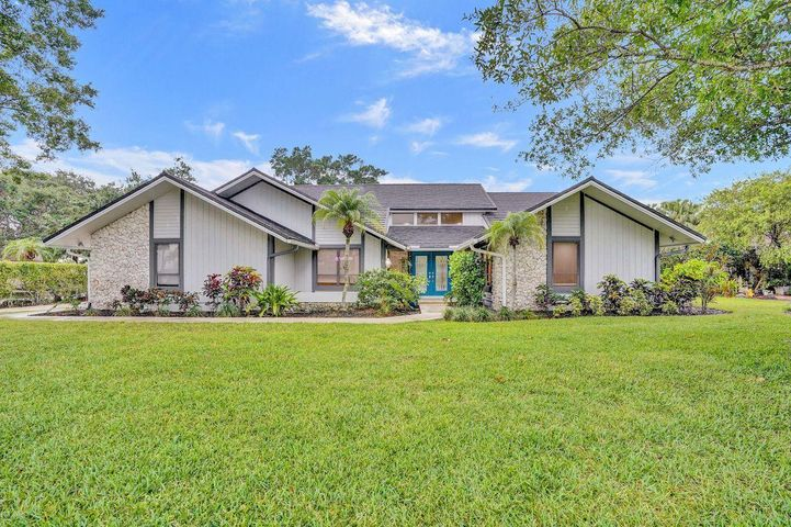 26 Sheldrake Lane, Palm Beach Gardens, FL 33418