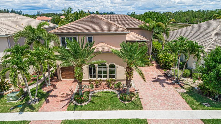 1371 Beacon Circle, Wellington, FL 33414