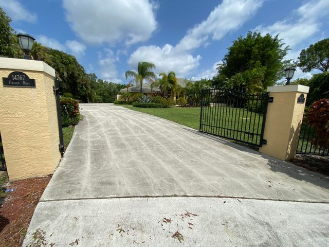 14767 Halter Road 14767, Wellington, FL 33414
