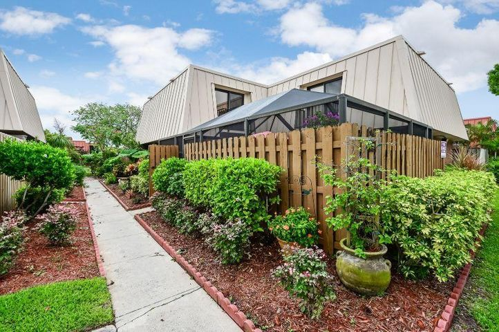 3339 Gardens East Drive A, Palm Beach Gardens, FL 33410