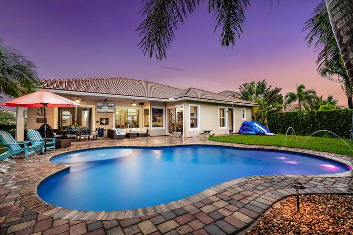 107 Manor Circle, Jupiter, FL 33458