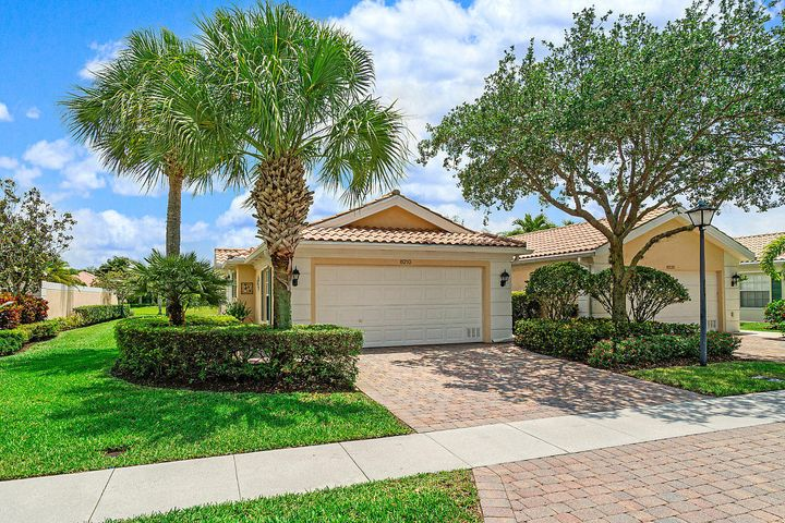 8210 Saint Johns Court, Wellington, FL 33414
