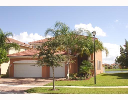 664 Gazetta Way, West Palm Beach, FL 33413